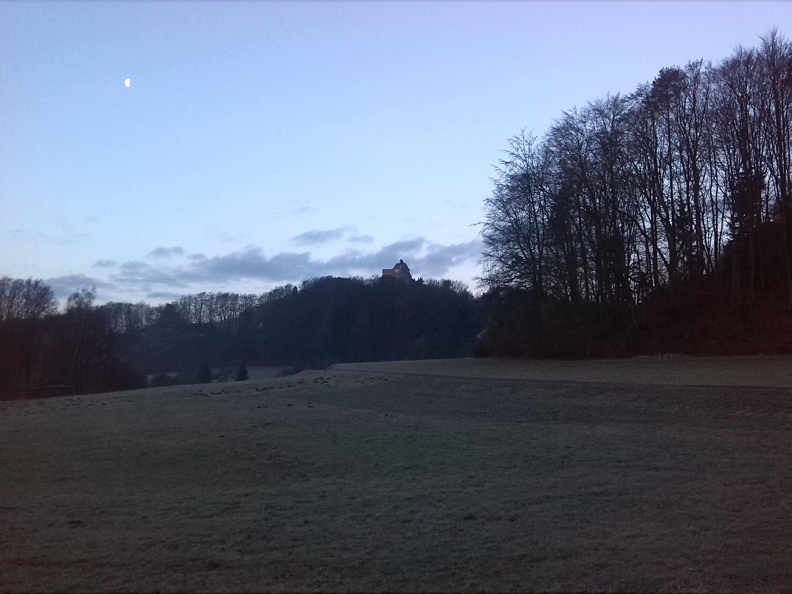 Erste kurze Pause mit Blick auf Burg Hohenstein